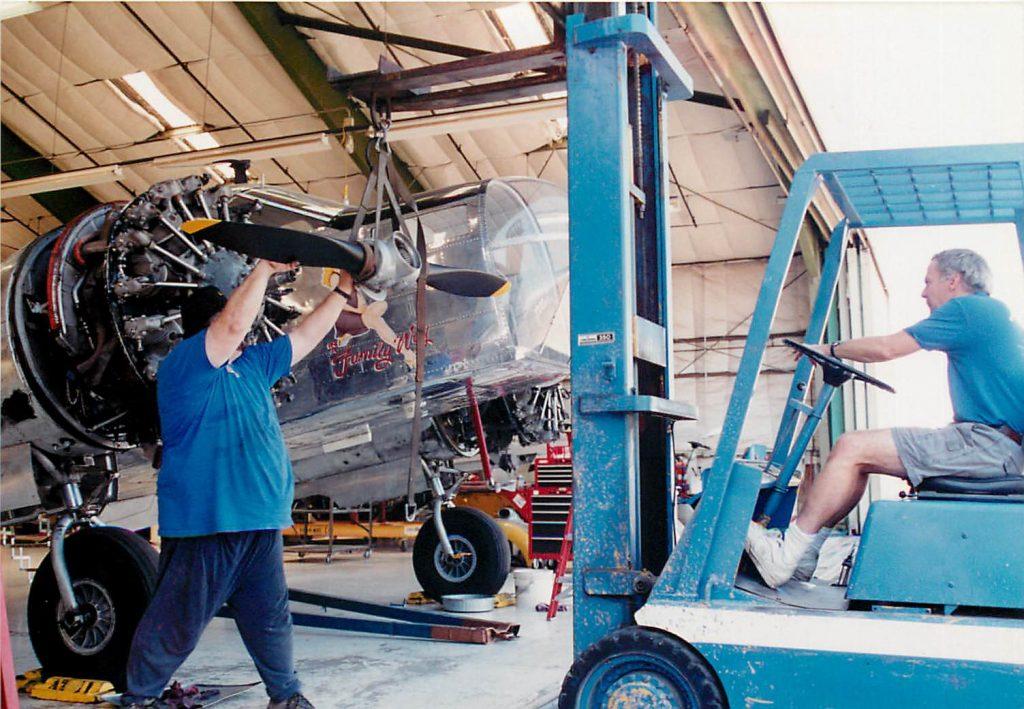 Engine change, removing propeller