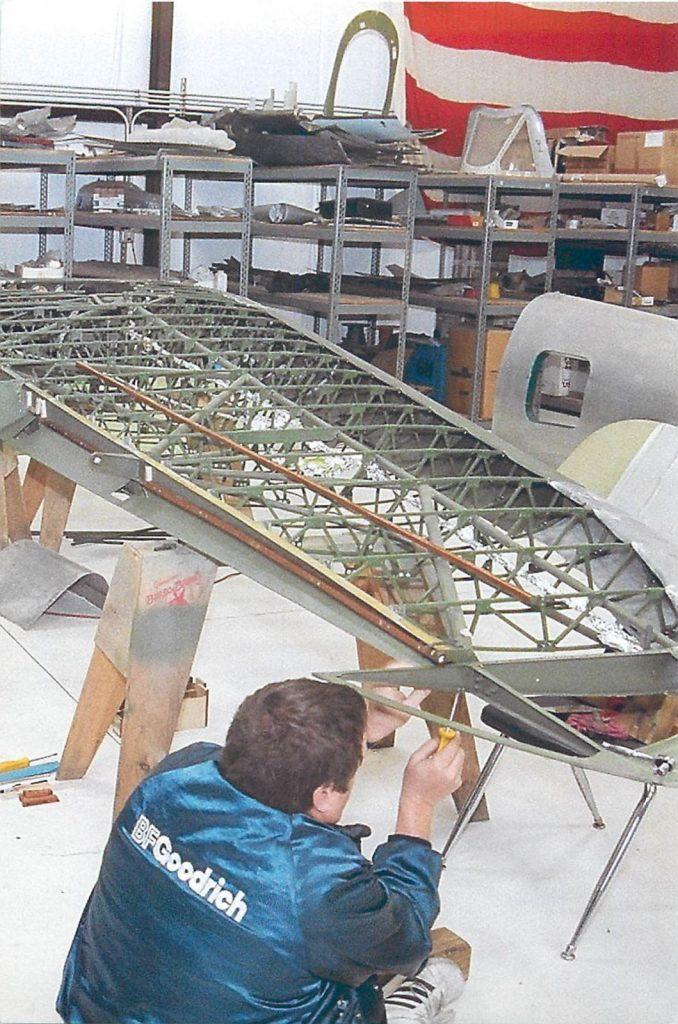 Assembling wing