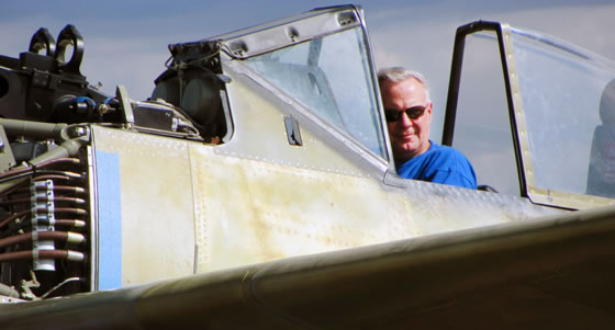 Dave Goss performs engine runs in FHC's Focke-Wulf Fw 190A-5