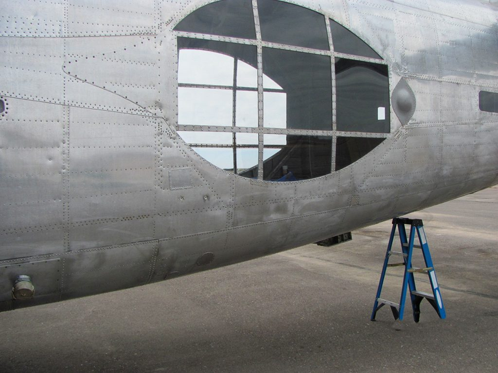 pb4y-2-10-fuselage-area-more-plexi-glass-was-installed-to-open-up-the-waist-section-windows